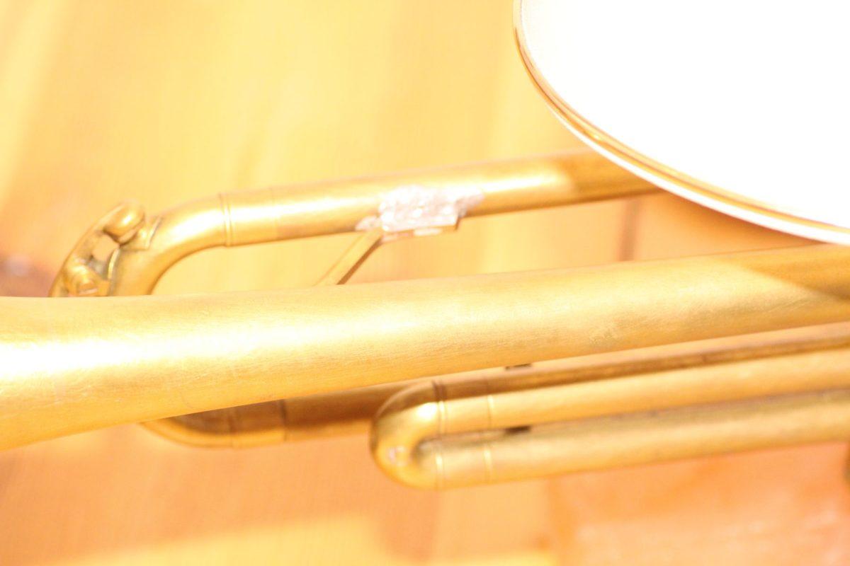 Handgefertigte Trompetenlampe Design Vintage Salzblock Trompete