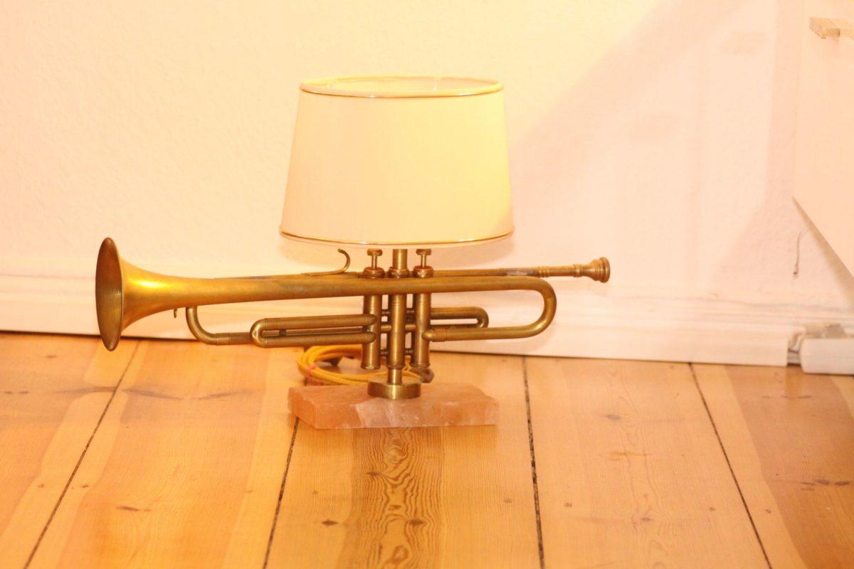 Handgefertigte Trompetenlampe Design Vintage Salzblock Trompete Salzblock