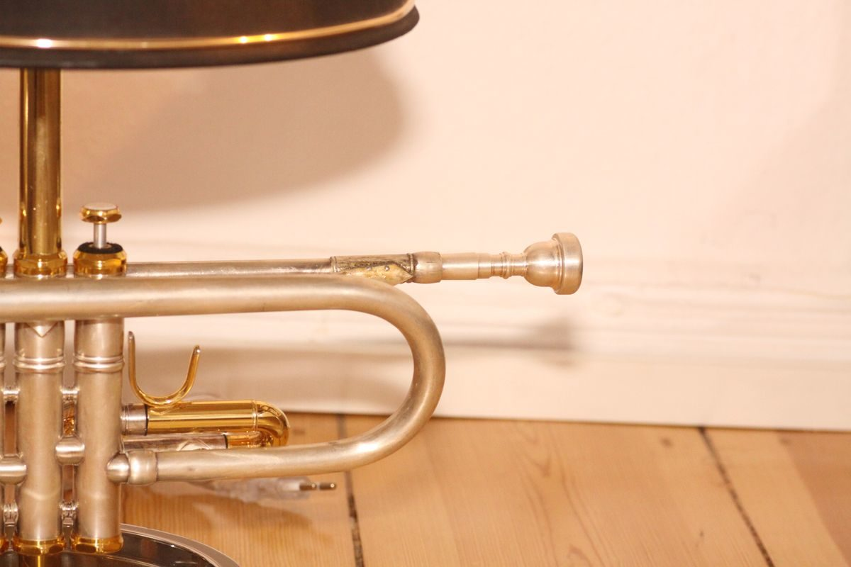Trompetenlampe Design Tischlampe Vintage Einzelstück Mundstück