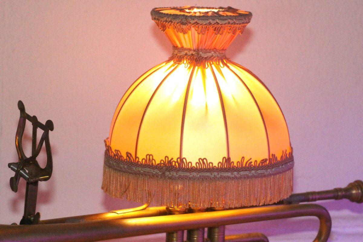 Handgefertigte Trompetenlampe Vintage Retro Einzelstück Lampenschirm Stoff