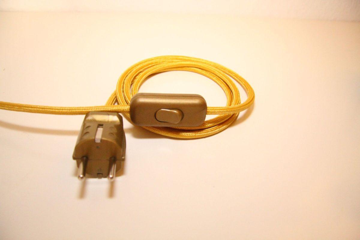 Handgefertigte Trompetenlampe Vintage Retro Einzelstück Kabel Gold