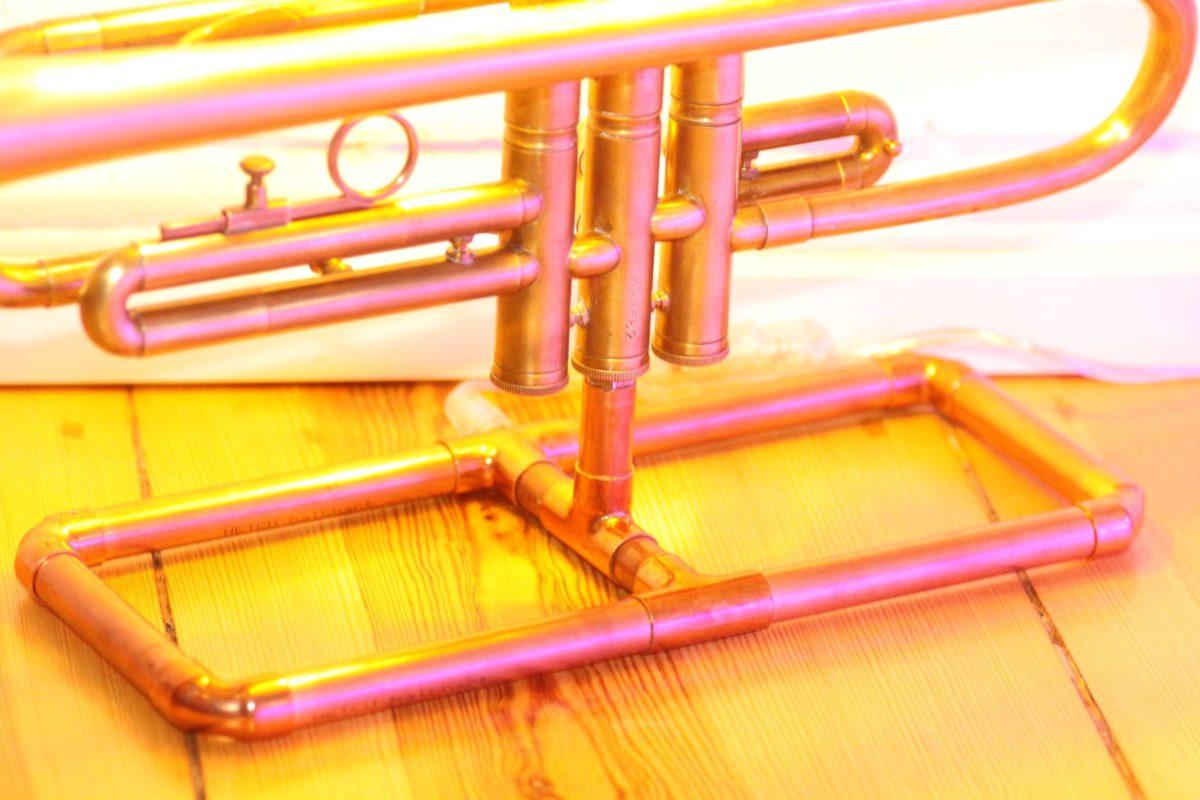 Trompetenlampe Tischleuchte Messing Kupfer Design Berlin Kupferrohre