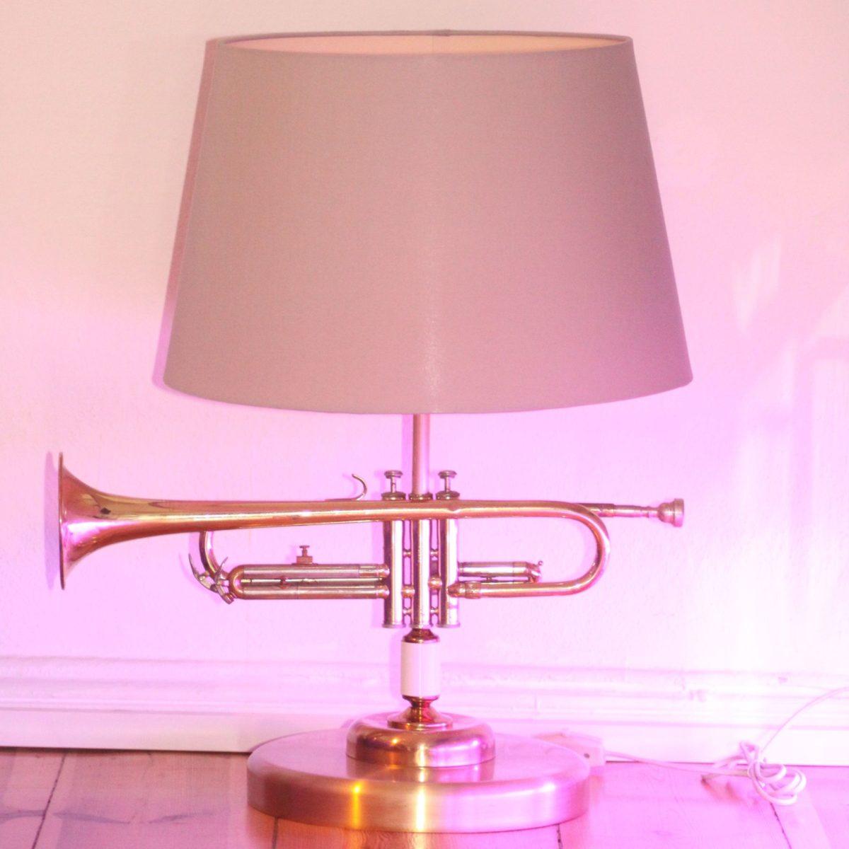 Trompetenlampe Stehlampe Vintage Retro Einzelstück Lampenschirm Grau