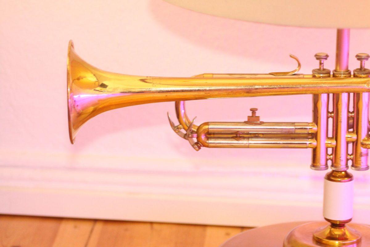 Trompetenlampe Stehlampe Vintage Retro Einzelstück Trompete