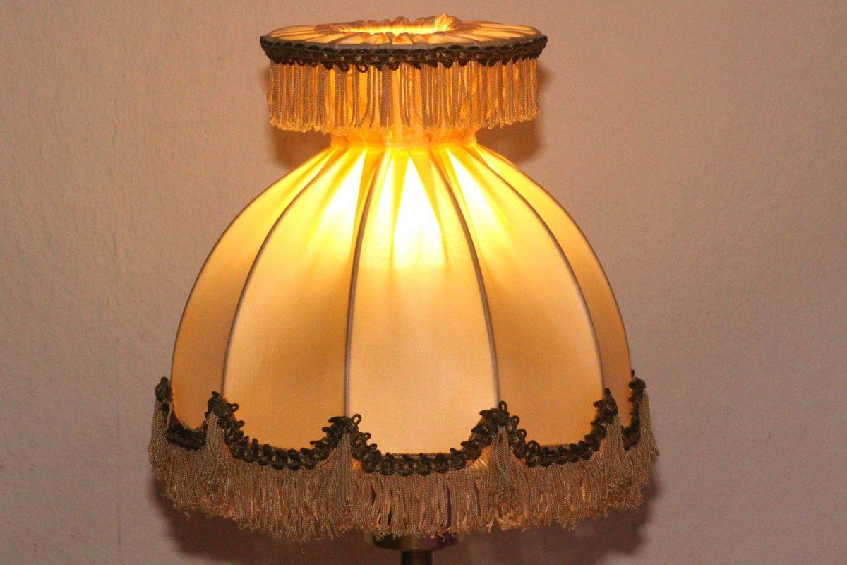 Trompetenlampe Tischleuchte Messing Kupfer Vintage Berlin 23A_03 Schirm Eingeschaltet