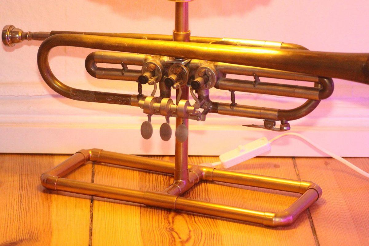 Trompetenlampe Tischleuchte Messing Kupfer Vintage Berlin 23_05 Trompete