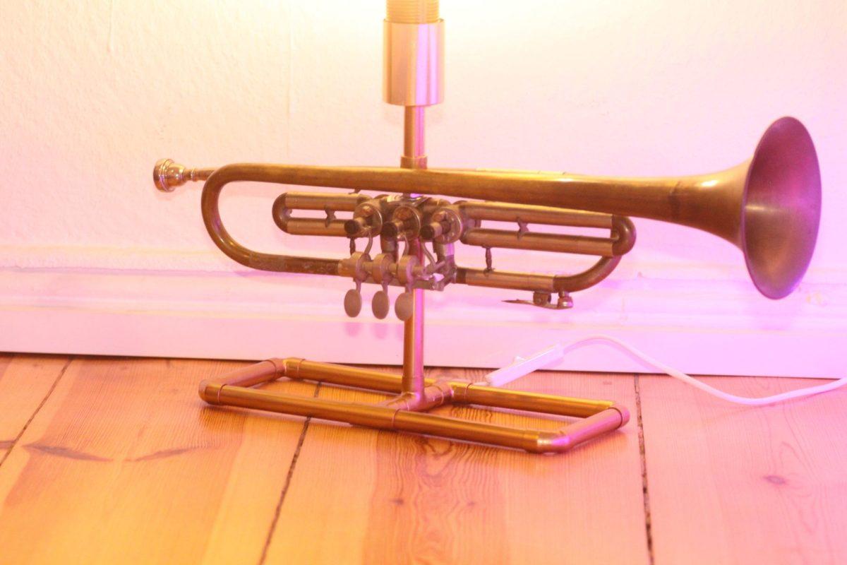 Trompetenlampe Tischleuchte Messing Kupfer Vintage Berlin 23_07 Trompete