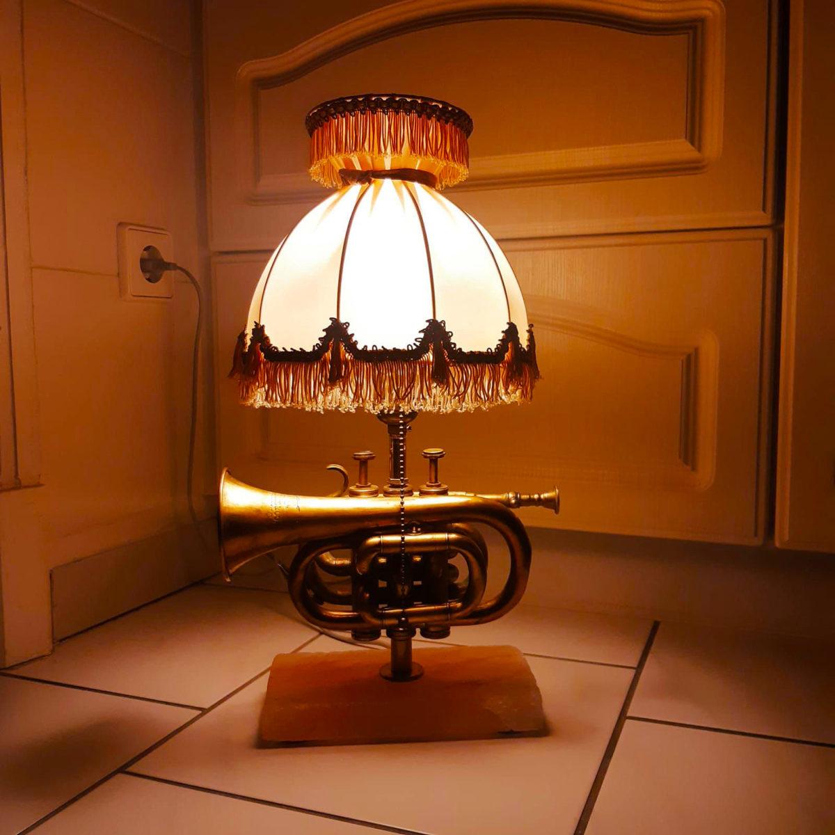Trumpet lamp table lamp salt block fringes vintage retro